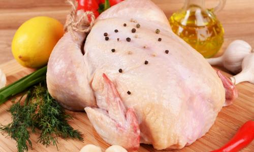 Повар назвал самую опасную часть курицы